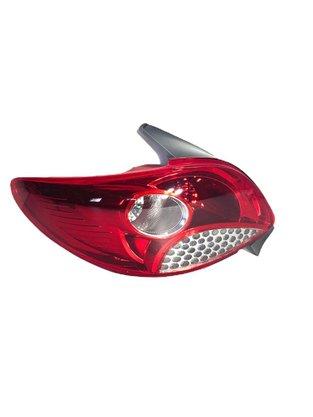 Lanterna Traseira Peugeot 207 Hatch 2011 a 2015 Lado Esquerdo Motorista - FITAM