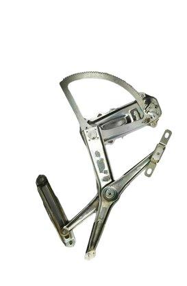 Máquina Vidro Manual Corsa Novo  Montana Dianteira Esquerda Motorista